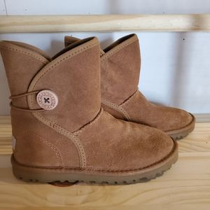 Uggs kids boots size 13 never worn